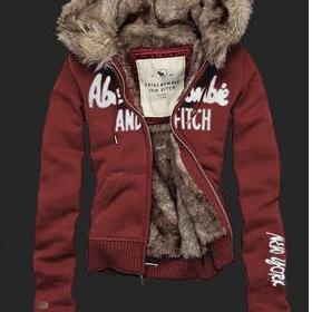 Červená mikina s kožuškom Abercrombie & Fitch - foto č. 1