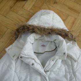 Bílá zimní bunda s kožíškem na kapuci  Takko - foto č. 1