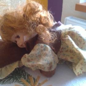 Ležíci panenka - foto č. 1