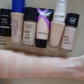 Tekut� makeup Rimmel Match Perfection - foto �. 1