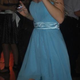 Modré asymetrické spoločenské šaty - Bazar Omlazení.cz b492a7dfab4