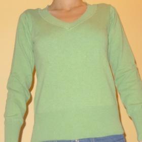 Světle zelený svetr Takko - foto č. 1