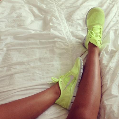 1ef811ba774 Žlutozelené neonové botasky Nike - Diskuze Omlazení.cz