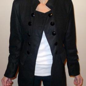 Černý kabátek - foto č. 1