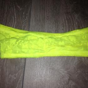 Neonově žlutá podprsenka - foto č. 1