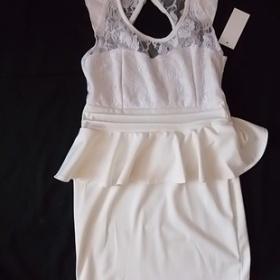 Bílé krajkované peplum šaty - foto č. 1