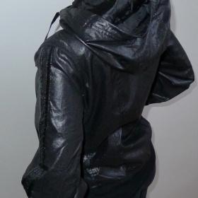 Lehká černá bunda - foto č. 1
