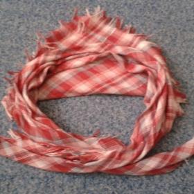 Červeno - bílý šátek Terranova - foto č. 1