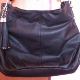 Černá koženková kabelka Goess - foto č. 1