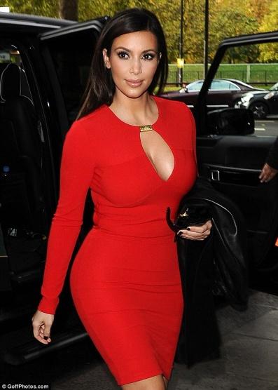 Šaty Kim Kardashian - Diskuze Omlazení.cz 469514c54e