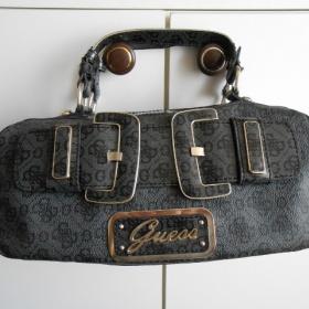 Černá kabelka Guess - foto č. 1