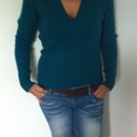 Zelený svetr s výstřihem Terranova - foto č. 1