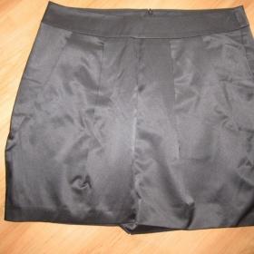 Černá sukně Monton - foto č. 1
