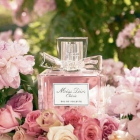 Průhledná parfém Christian Dior - foto č. 1