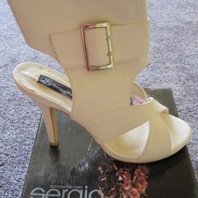 Bílé sandále Sergio Todzi - foto č. 1