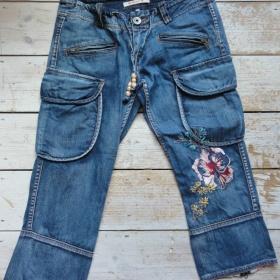 Modré 3/4 vyšívané rifle Pepe Jeans - foto č. 1