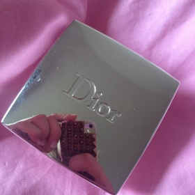 001 Rose powder rozjas�uj�c� pudr Dior - foto �. 1