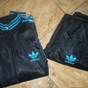 Černo modrá tepláková souprava Adidas - foto č. 1