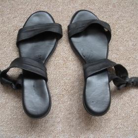 Černá kožené Sandálky neznačkové - foto č. 1
