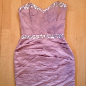 Růžové šaty Lipsy London - foto č. 1
