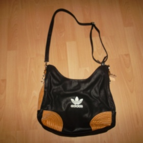 Černá kabelka Adidas - foto č. 1