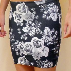 Květovaná černobílá Sukně - foto č. 1