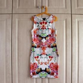 Barevné květované šaty HM - foto č. 1