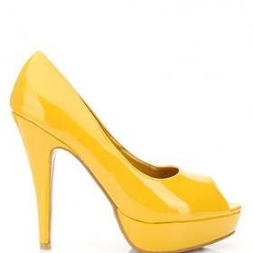 Žluté lodičky.  - - foto č. 1