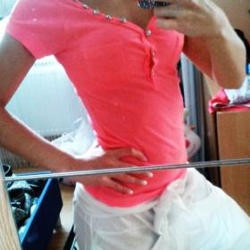 Neonově růžové tričko neznačkové - foto č. 1