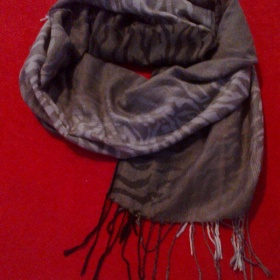 Šedý šátek neznačková - foto č. 1