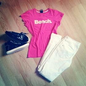 Růžové tričko Bench. - foto č. 1