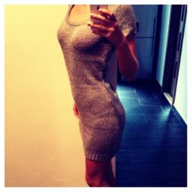 Hnědé svetrové šaty Terranova - foto č. 1