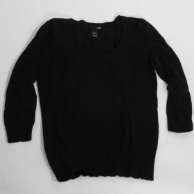 Černý svetřík H&M - foto č. 1