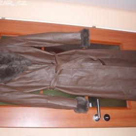 Hnědá dámský kožený kabát Neznačkový - foto č. 1