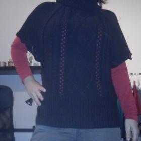 Černý svetr s krátkým rukávem Orsay - foto č. 1