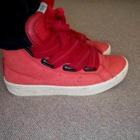 Červené tenisky Adidas - foto č. 1