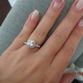 Stříbrný prsten s kamínkem Zlatnictví - foto č. 1