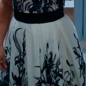 31c4d9d9b Květinové šaty Orsay - Bazar Omlazení.cz