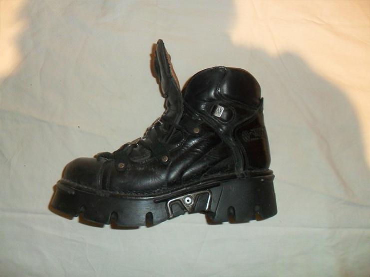 Černé kožené boty New Rock - Bazar Omlazení.cz f326a7b475