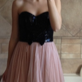 Černo - růžové šaty Lipsy London - foto č. 1