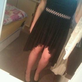 Černé šaty . - foto č. 1