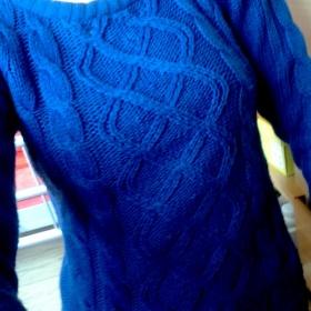 Modr� svetr nezna�kov� - foto �. 1