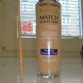 Make up Rimmel Match perfection (odstín 200-soft beige) - foto č. 1