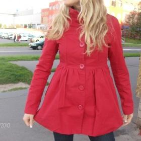 Reserved tmavší červený kabátek - foto č. 1
