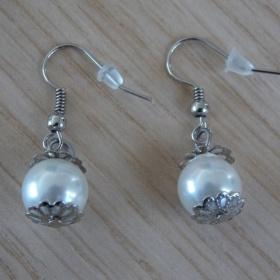 Bílé náušnice perličky neznačková - foto č. 1