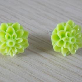 Neonově zelené náušnice kytky neznačková - foto č. 1