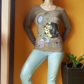 Khaki tričko S holčičkou - foto č. 1