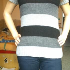 Černá, bílá, šedá svetr pruhovaný neznačkový - foto č. 1