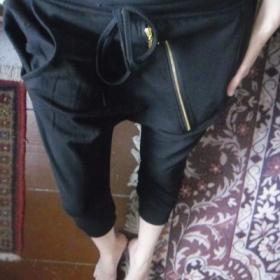 Černé 3/4 baggy harémky se zipem Italy - foto č. 1
