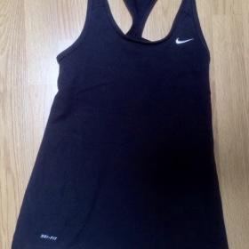 Černý top dryfit Nike - foto č. 1